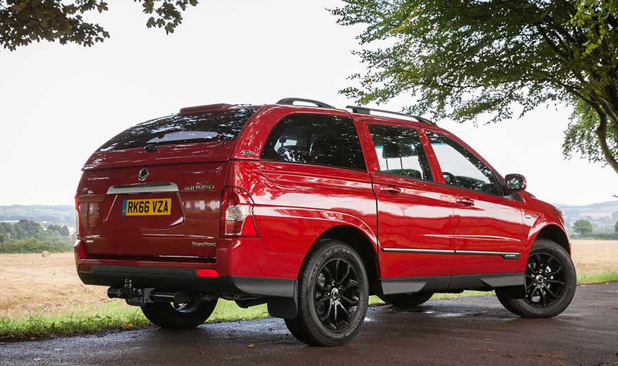 ssangyong-musso-pickup-commercial-image-gallery-at-reading-berkshire-4