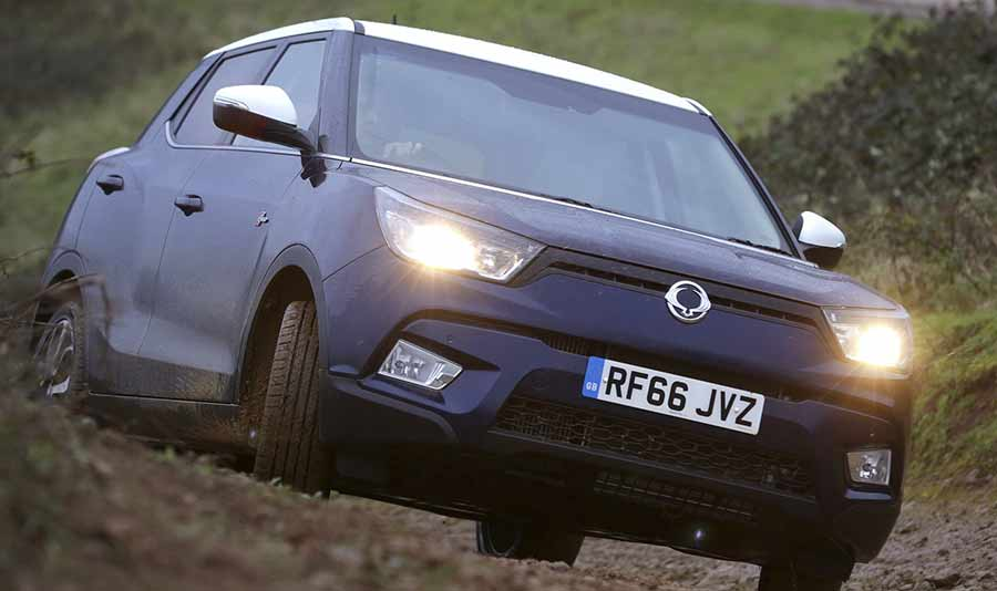 ssangyong-tivoli-new-car-gallery-image-2