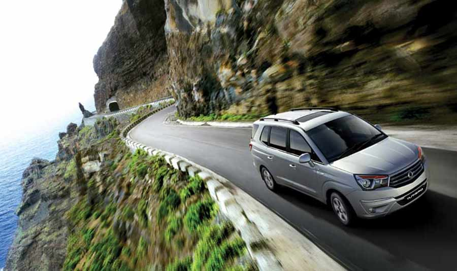 ssangyong-turismo-seven-seat-mpv-gallery-images-at-reading-berkshire-3