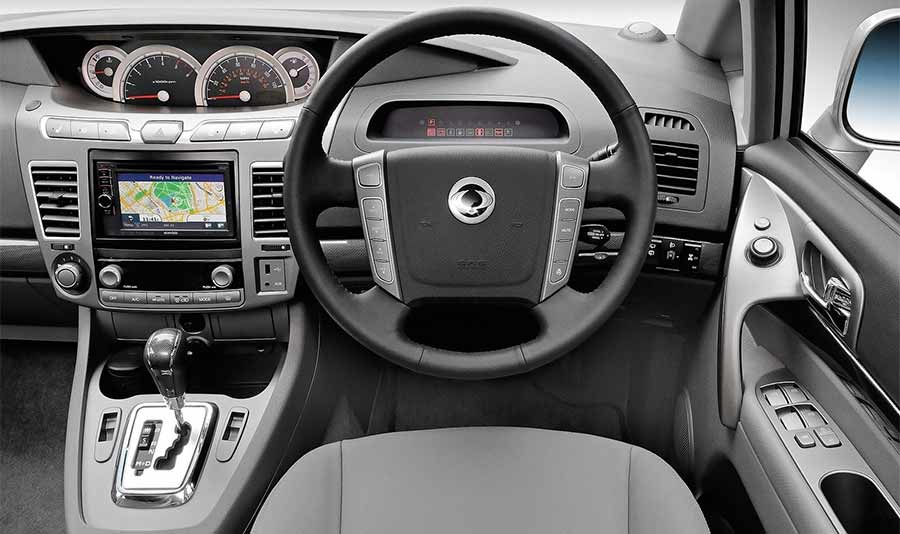 ssangyong-turismo-seven-seat-mpv-gallery-images-at-reading-berkshire-9