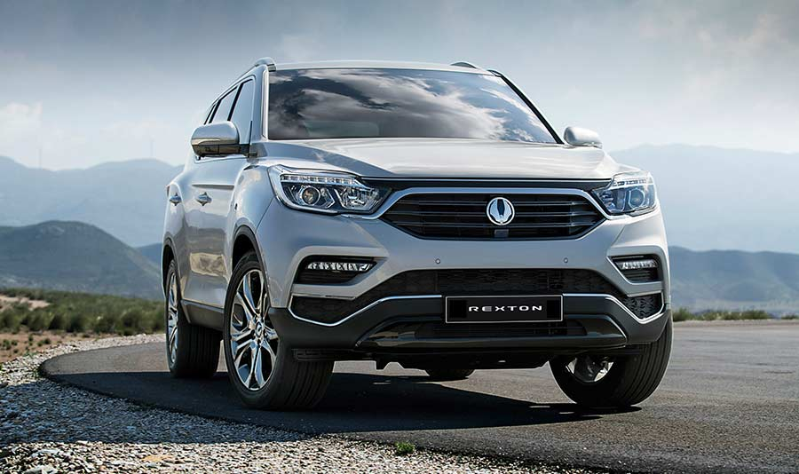 new-ssangyong-rexton-suv-2017-seven-seater-charters-reading-berkshire-gallery-3