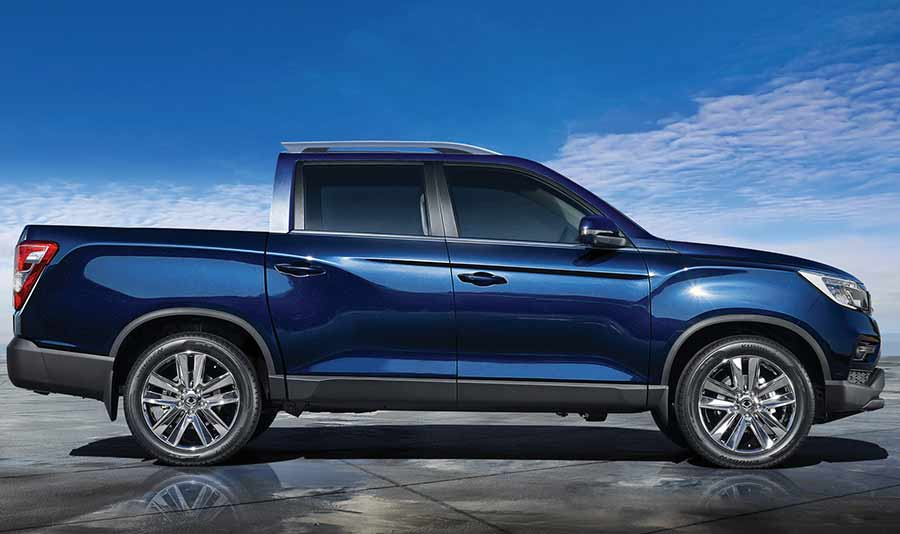 new-ssangyong-musso-pickup-2018-car-sales-charters-ssangyong-reading-berkshire-gallery-image-1