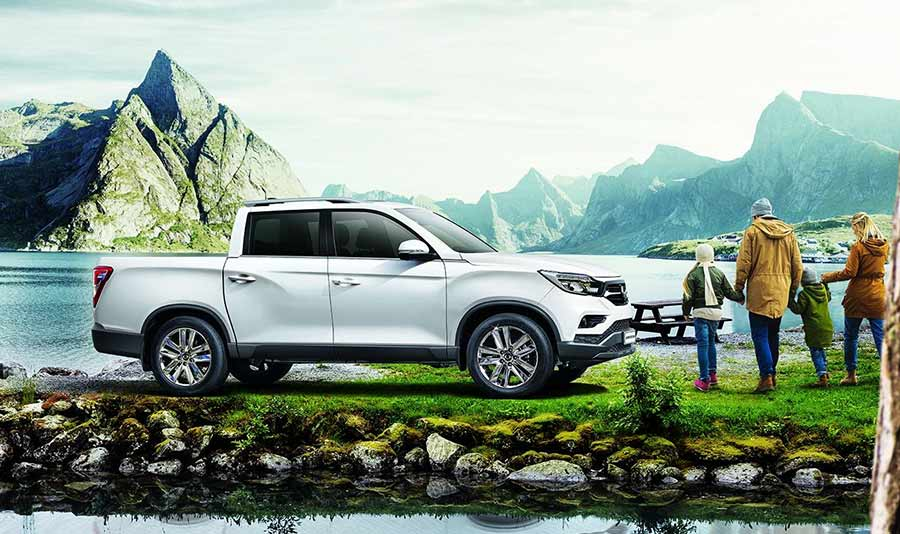 new-ssangyong-musso-pickup-2018-car-sales-charters-ssangyong-reading-berkshire-gallery-image-9