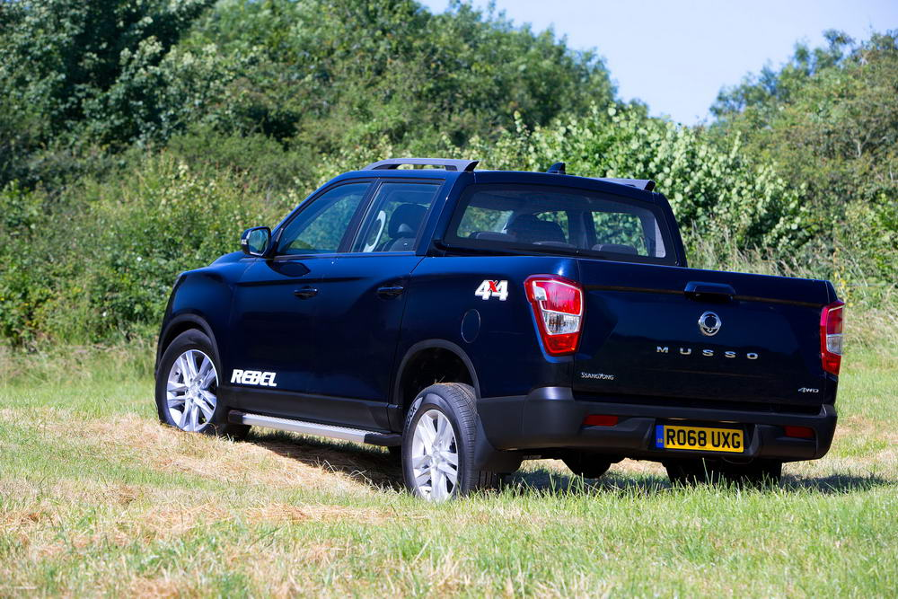 new-ssangyong-musso-pickup-2018-charters-reading-046