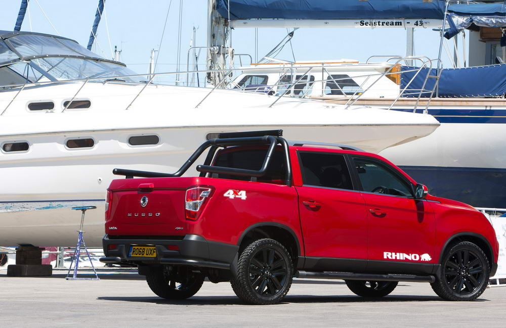 new-ssangyong-musso-pickup-2018-charters-reading-058