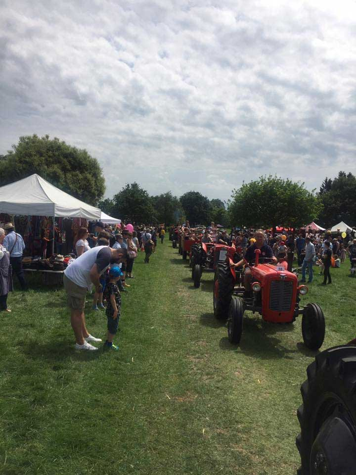 tractor-parade-berkshire-country-fayre-2019-englefield-estate-theale-1