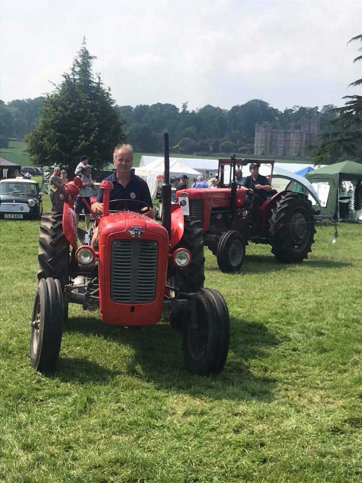 tractor-parade-berkshire-country-fayre-2019-englefield-estate-theale-2