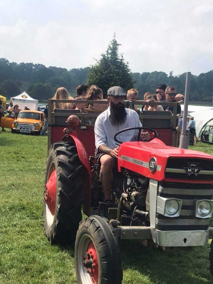 tractor-rides-berkshire-country-fayre-2019-englefield-estate-theale-1