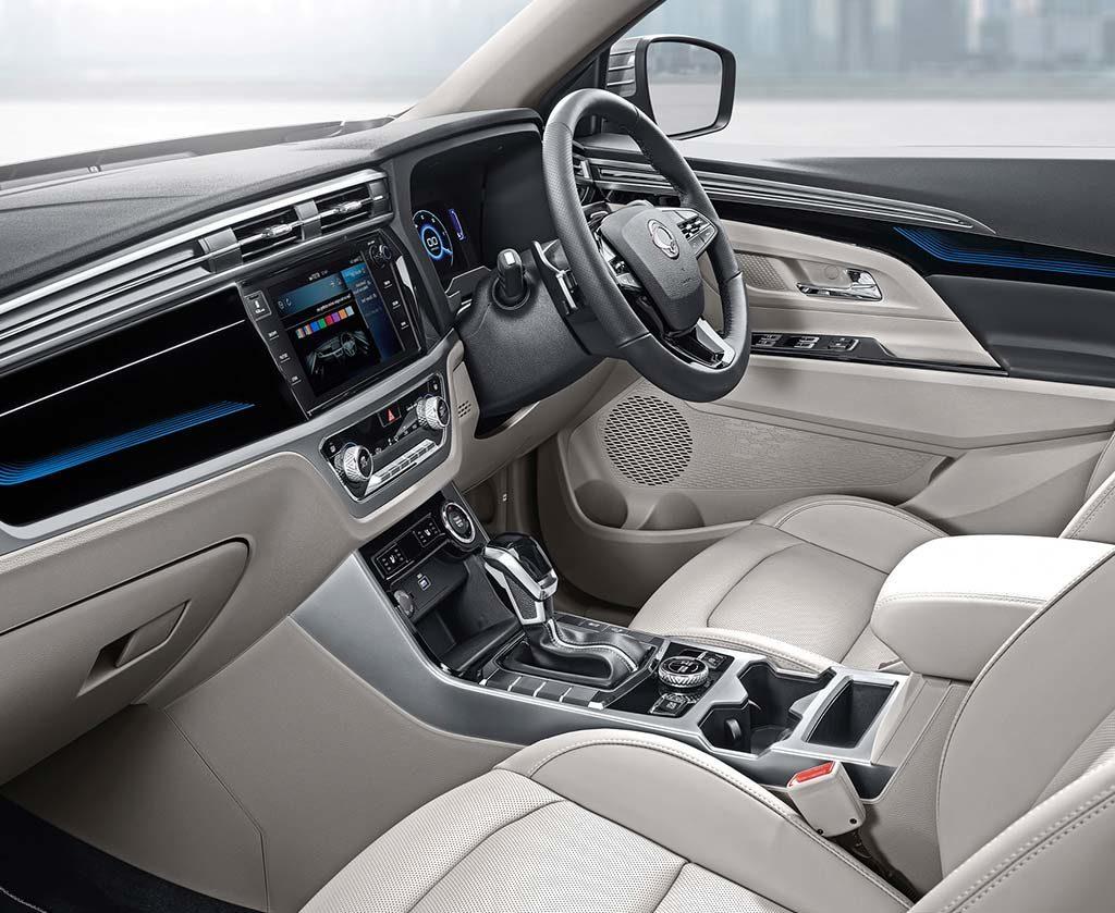 up-close-and-personal-new-korando-suv-interior