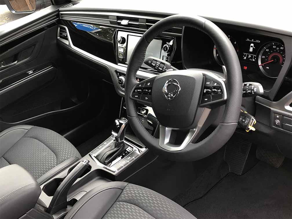 new-korando-suv-heated-steering-wheel
