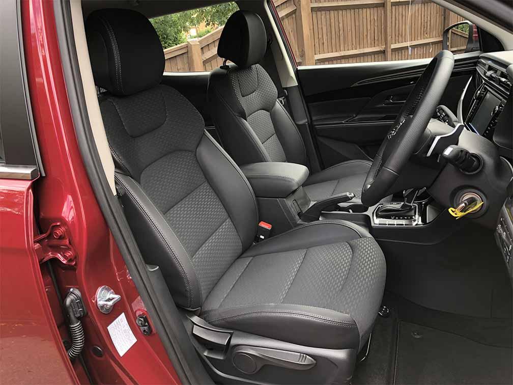 new-korando-suv-pioneer-interior